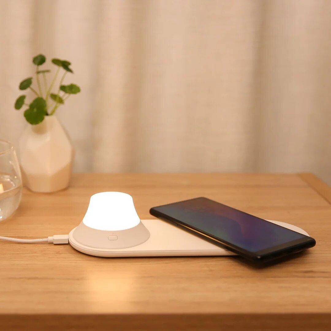 Đèn ngủ kiêm sạc không dây Xiaomi Yeelight